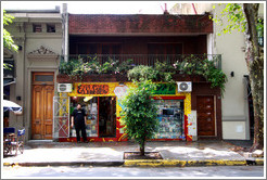 En el Camino Libros (On the Road Books), Calle Jorge Luis Borges, Palermo Viejo district.