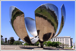 Floralis Gen?ca, a moving sculpture by Eduardo Catalano. Plaza de las Naciones Unidas (United Nations Plaza), Recoleta.