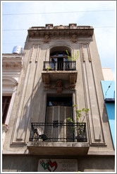 Building housing the defunct La Bodeguita del Medio, Avenida Bol�var 832, San Telmo district.