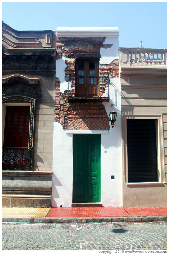Casa M?ma, a 2.2 meter-wide house inhabited by a freed slave, early 19th century, Pasaje San Lorenzo, San Telmo district.