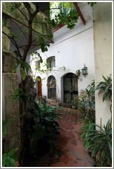Galer�a de los Patios de San Telmo, a large 18th century house containing artisans' workshops.
