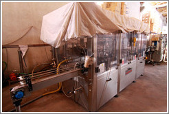 Bottling machine, Domaine Jean Bousquet, Valle de Uco.