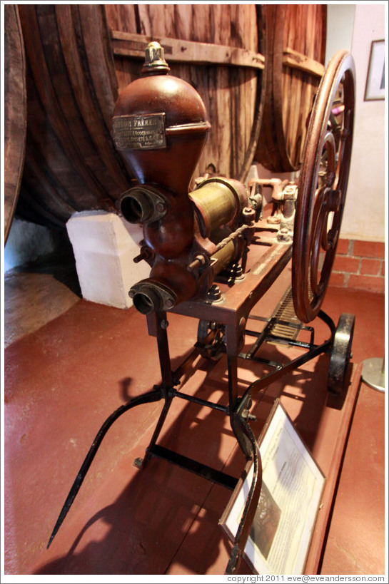 French manual pump. Museum of Bodega La Banda.