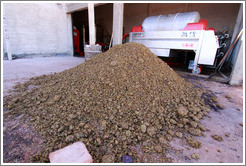 Pile of grape pomace. Bodega Tierra Colorada.