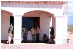 Workers queueing. Bodega Tierra Colorada.