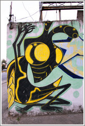 Graffiti: bee.  Rua Chipre at Av. Brg. Faria Lima.