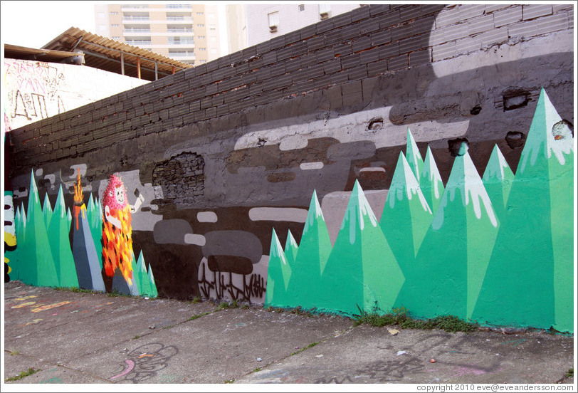 ... neighborhood. Alley between Rua Padre Jo?Gon?ves and Rua Belmiro Braga