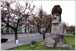 Statue that resembles those on Easter Island, Alameda (Av Libertador Bernardo O'Higgins).