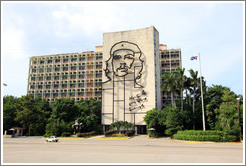 Che Guevara depicted on the Ministry of the Interior, Plaza de la Revolución.