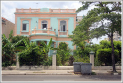 Aqua and peach house, Línea, Vedado.