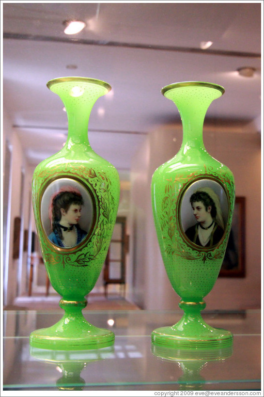 two vases with portraits nov svět in the mountains ca 1860 flashed uranium alabaster