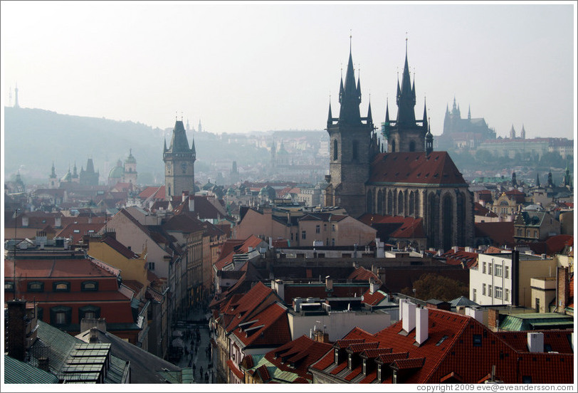 View to the west from the Powder Tower (Pra?n?r?), including Church of Our Lady before T?n (Kostel Matky Bo??řed T?nem).
