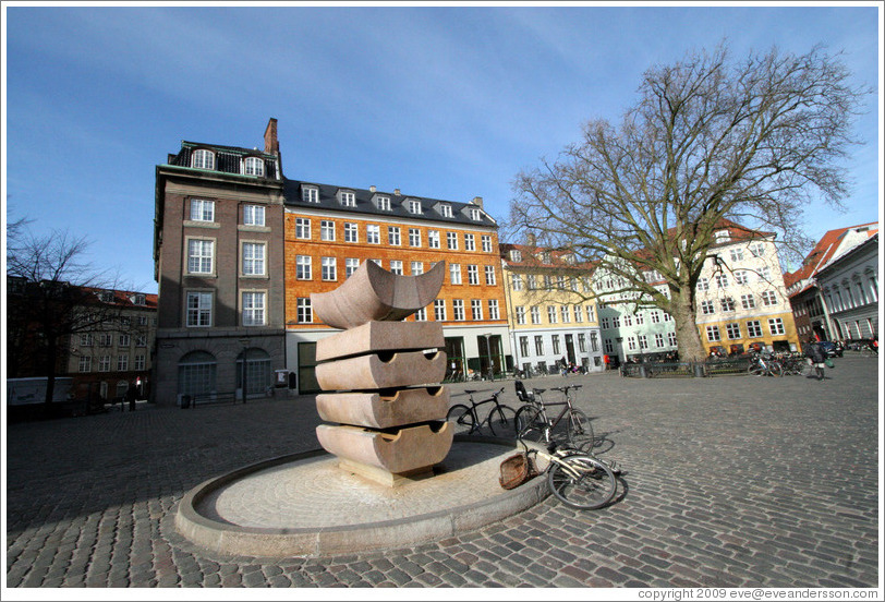 Sculpture at Gr??dretorv.  City centre.