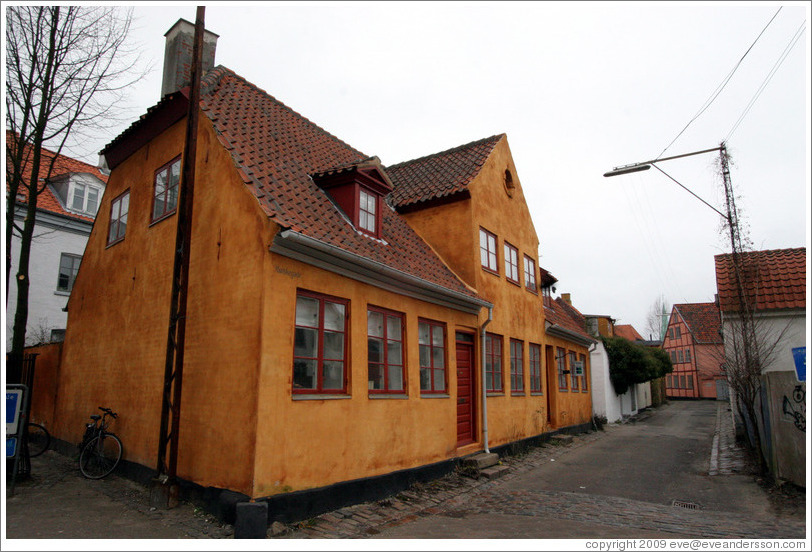 Yellow house on Munkegade.  Helsing?r.