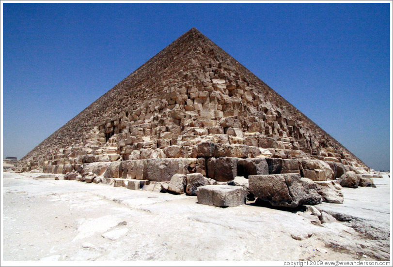 Pyramid of Khufu (the Great Pyramid of Giza), the largest pyramid at Giza.