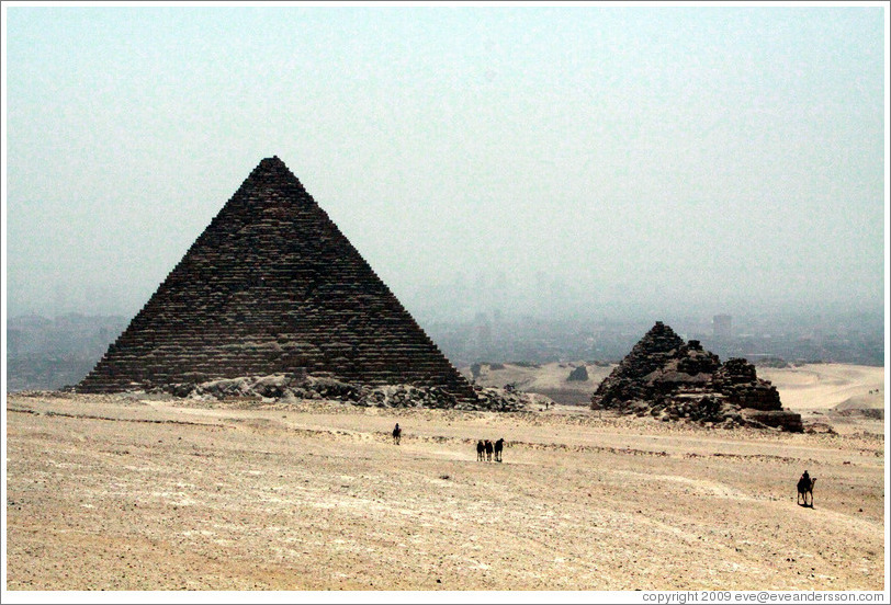Pyramid of Menkaure and Pyramids of Queens.