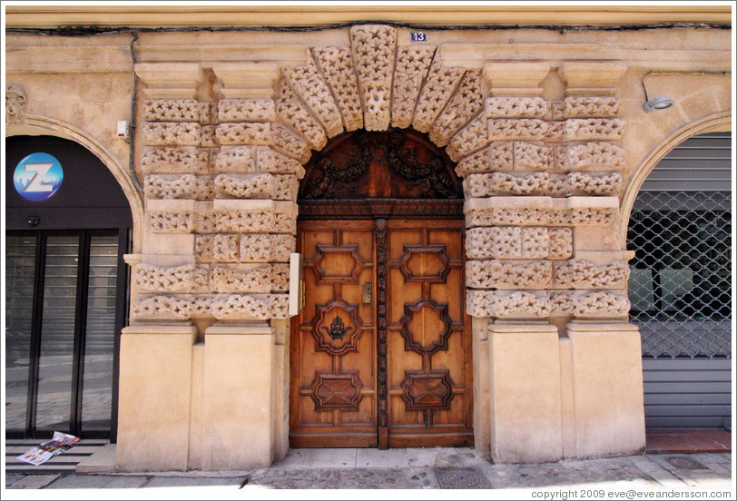 Embossed pattern around the doors of the H? de Peyronetti (1620).  Rue de l'Aude.  Old town.