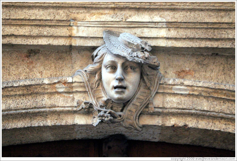Sculpture of a woman with a hat.  H? d'Ailhaud, Epoque Louis XV, Rue Mignet.   Old town.