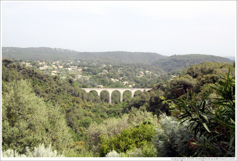 "The ""train des Pignes"" ancient bridge."