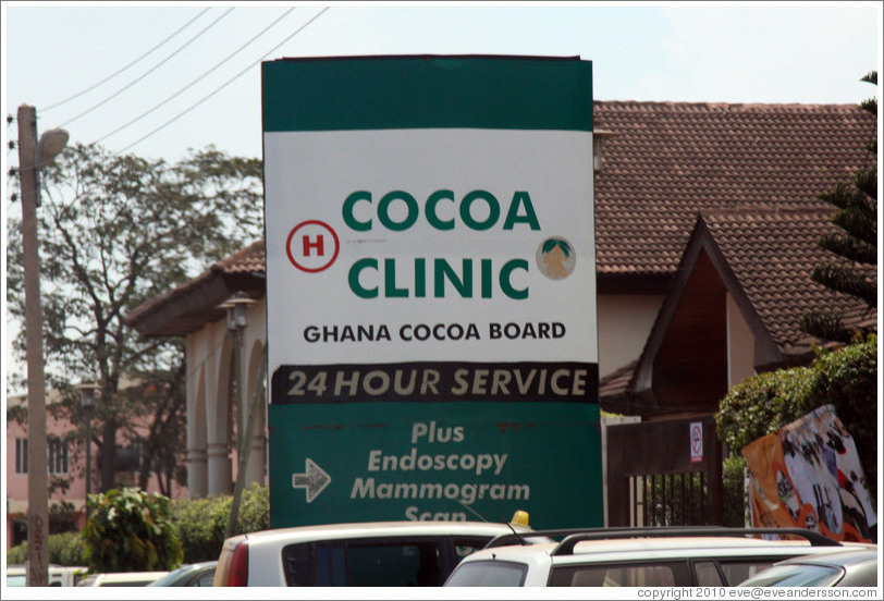 Sign for a Cocoa Clinic and Endoscopy / Mammogram Scans.  One of these has 24 hour service.