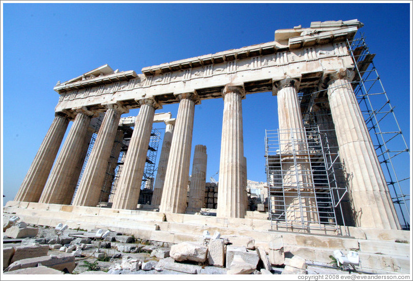 The Parthenon (Παρθενώνας) undergoing reconstruction at the Acropolis (Ακρόπολη).