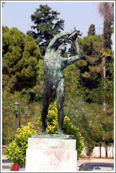Statue of a discus thrower near the Panathinaiko (Παναθηναϊκό) Stadium, where the first modern Olympics were held in 1896.