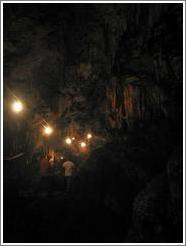 People walking, Lanquín caves.