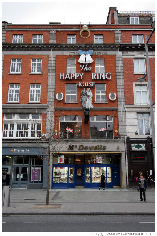 Happy Ring House.  O'Connell St.