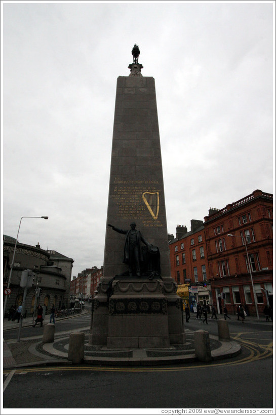 Monument for Charles Stewart Parnell.  O'Connell St.