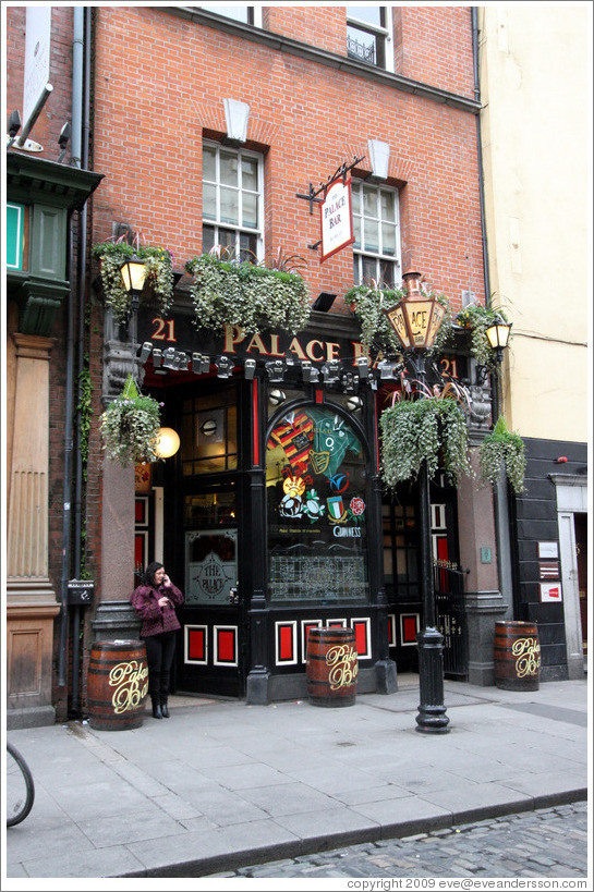 Palace Bar.  Fleet Street, Temple Bar.