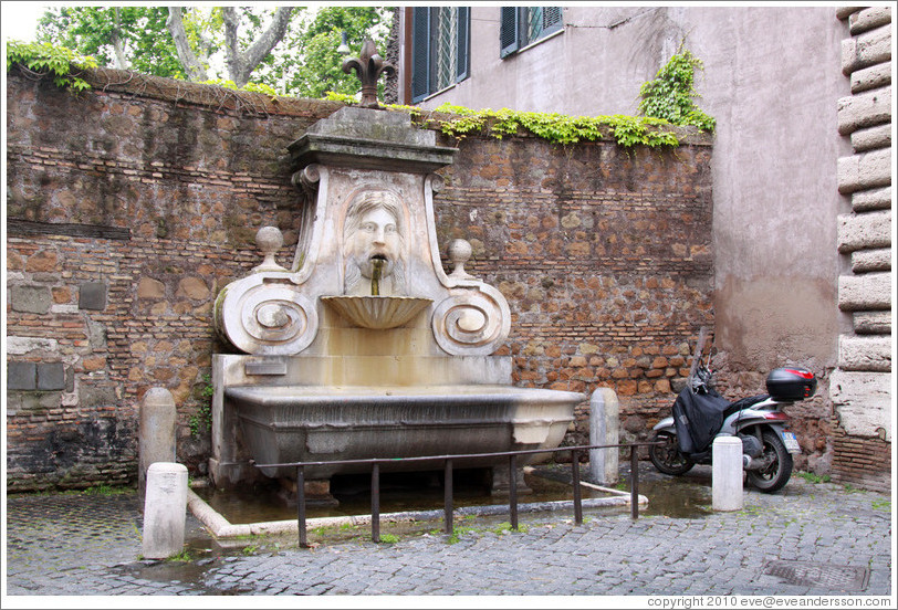 Fontana del Mascherone (Fountain of the Mask) (1626).