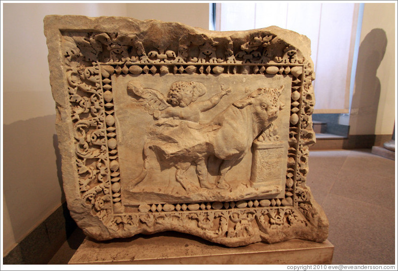 Base of an angular column, scenes with Eroti and Psyche, beginning of the 3rd century AD.  Museo Palatino (Palatine Museum).