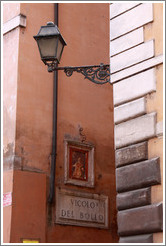 Corner of Via del Pellegrino and Vicolo del Bollo.