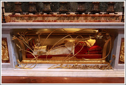 Embalmed body of Pope John XXIII, St. Peter's Basilica.