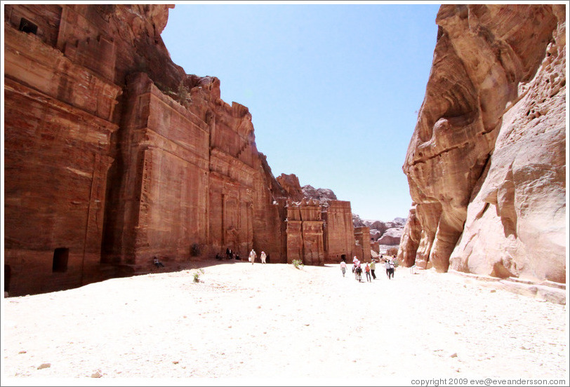 The Street of Fa?es, with rows of Nabataean tombs.