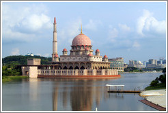 Masjid Putra (Putra Mosque), on Putrajaya Lake.
