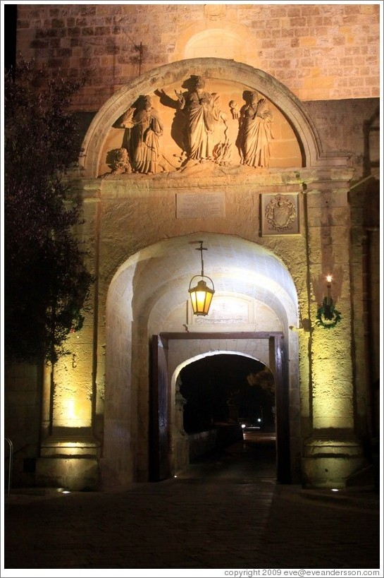 Main gate, from inside Mdina, at night.
