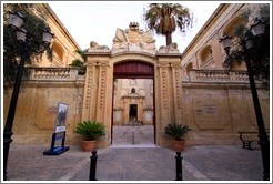 Entrance to Vilhena Palace, which contains the Museum of Natural History.