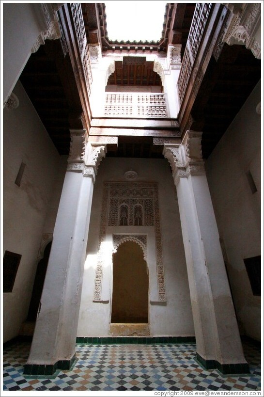 Salle d'ablution, student chambers, Ben Youssef Medersa.