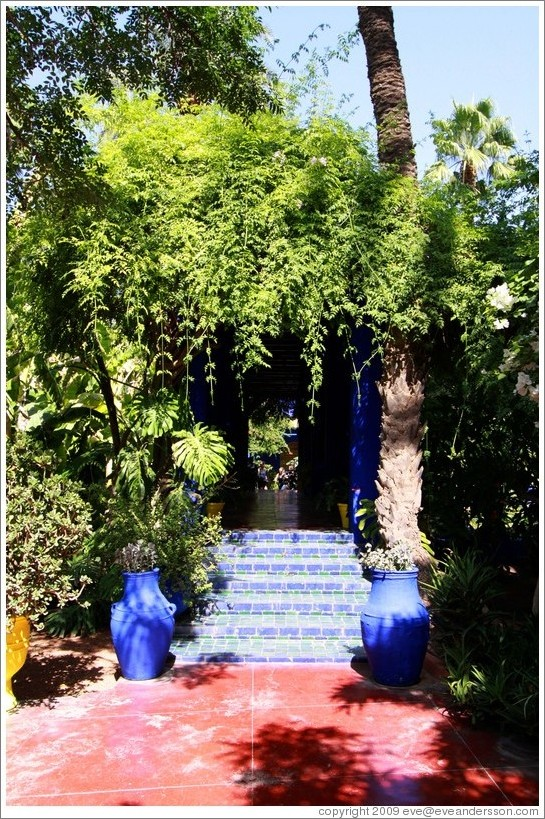 Covered walkway, Jardin Majorelle.