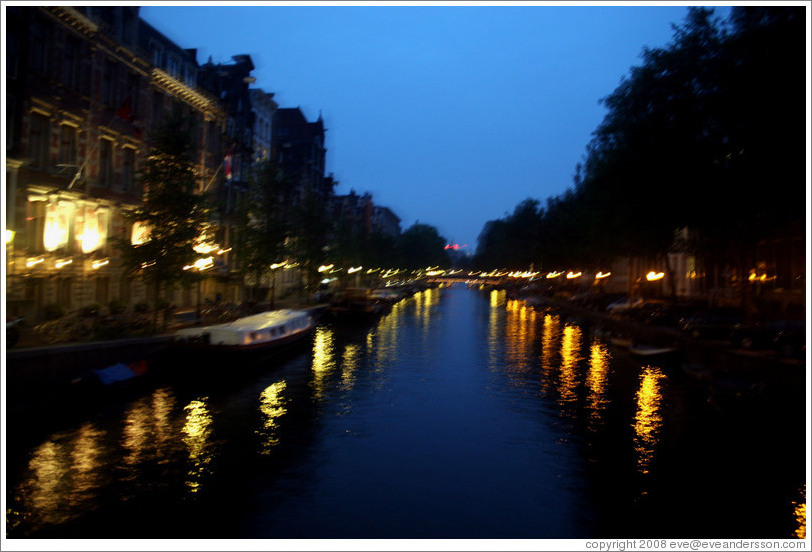 Canal in Centrum district, night.