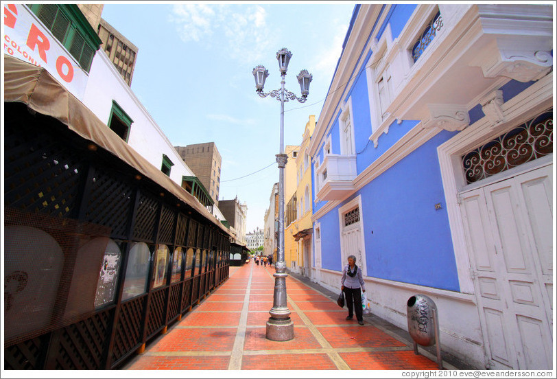 Calle Quilca, Historic Center of Lima.