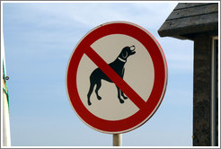 No Dogs sign, Praia da Mareta (Mareta Beach).