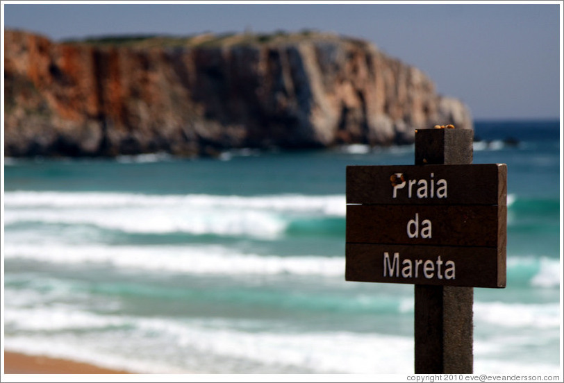 Sign with snails on it, Praia da Mareta (Mareta Beach).