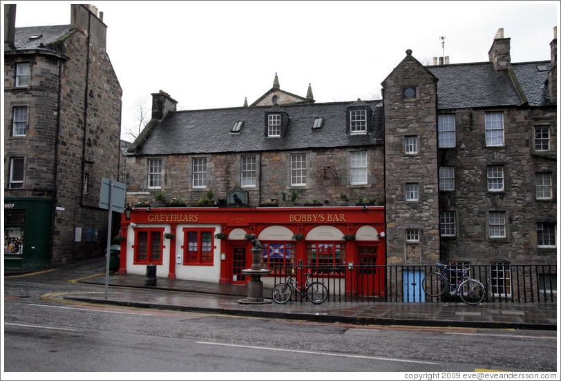 Greyfriars Bobby's Bar.  Candlemaker Row.  Old Town.