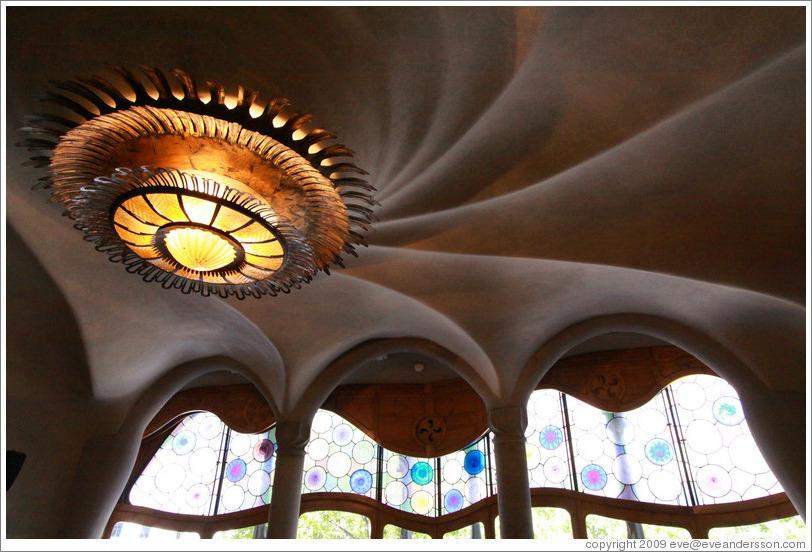 barcelona-casa-batllo-interior-4-large.jpg