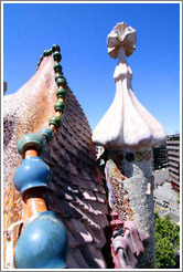 Lizard-like roof detail.  Casa Batll�.