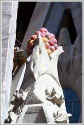 Architectural element symbolizing grapes.  La Sagrada Fam?a.