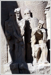 Figures, including Christ and Roman soldiers, by sculptor Josep Maria Subirachs.  Passion fa?e, La Sagrada Fam?a.