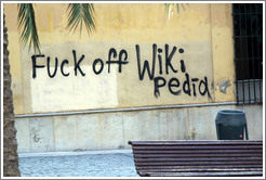 "Graffiti reading ""Fuck off Wikipedia"", Callej?e los Franceses, city center."